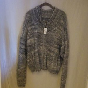Sweaters - Zip-up sweater
